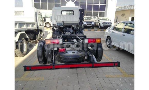 Acheter Importé Voiture Mitsubishi i Blanc à Import - Dubai, Diana