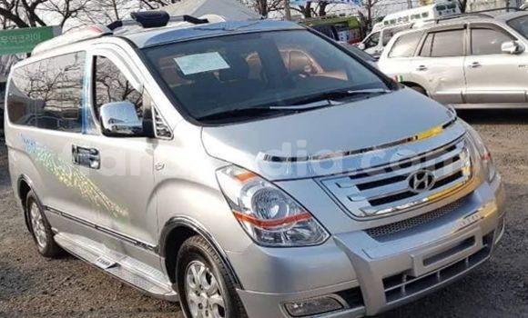 Acheter Occasion Voiture Hyundai Grand Starex Gris à Andevoranto, Toamasina