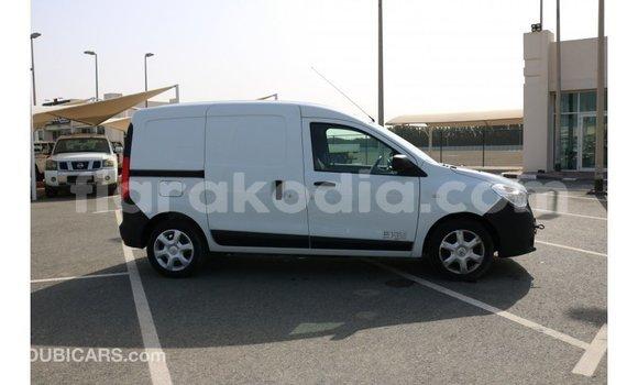 Acheter Importé Voiture Renault Dokker Blanc à Import - Dubai, Diana