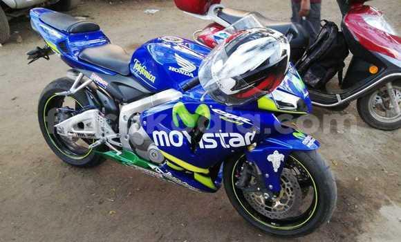 Acheter Occasion Moto Honda CBR Bleu à Nosy Be (Nossi–bé), Diana