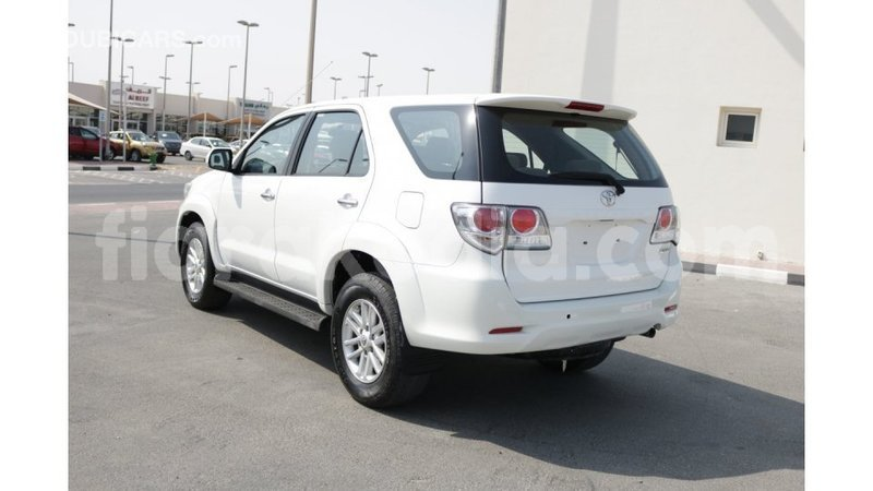 Big with watermark toyota fortuner diana import dubai 4060