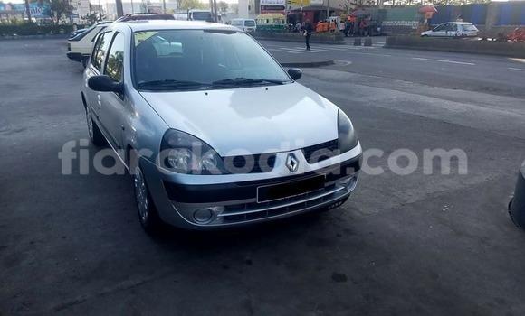 Acheter Occasions Voiture Renault Clio Gris à Antananarivo au Analamanga