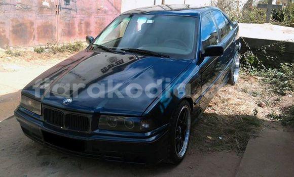 Acheter Occasion Voiture BMW 3-Series Noir à Antananarivo au Analamanga