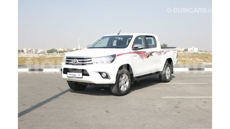 Big with watermark toyota hilux diana import dubai 4178