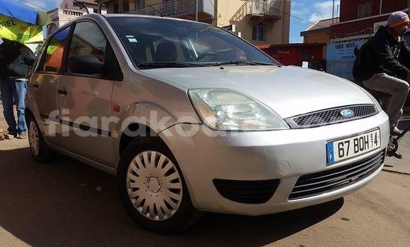 Acheter Occasion Voiture Ford Fiesta Gris à Antananarivo au Analamanga