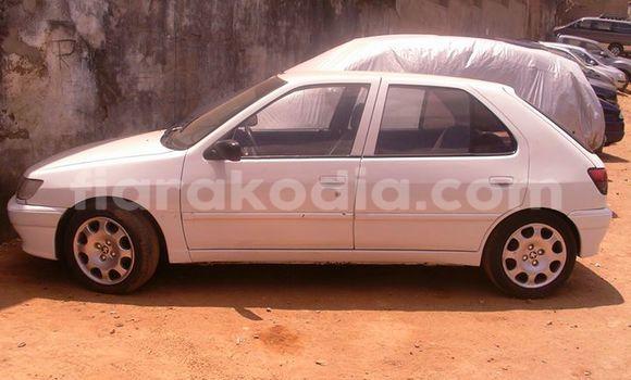 Acheter Occasion Voiture Peugeot 306 Blanc à Antananarivo au Analamanga