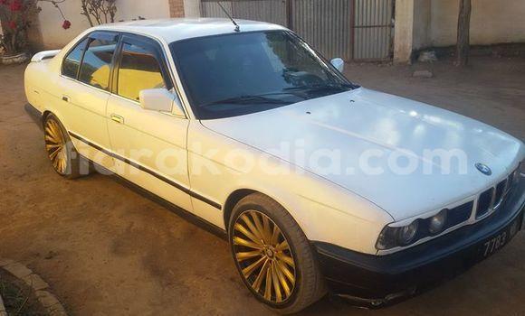 Acheter Occasions Voiture BMW 5–Series Blanc à Antananarivo au Analamanga