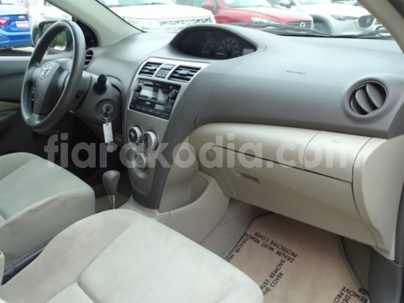 Big with watermark toyota yaris diana ambanja 4303
