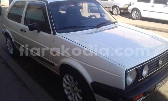 Acheter Occasions Voiture Volkswagen Golf Blanc à Antananarivo au Analamanga
