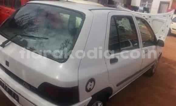 Acheter Occasion Voiture Renault Clio Blanc à Antananarivo, Analamanga