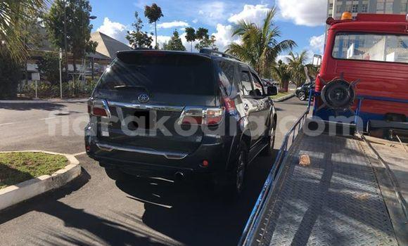 Acheter Occasion Voiture Toyota Fortuner Noir à Antananarivo au Analamanga
