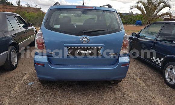 Acheter Occasion Voiture Toyota Verso Bleu à Antananarivo, Analamanga