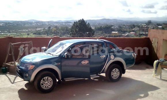 Acheter Occasion Voiture Mitsubishi L200 Bleu à Antananarivo au Analamanga