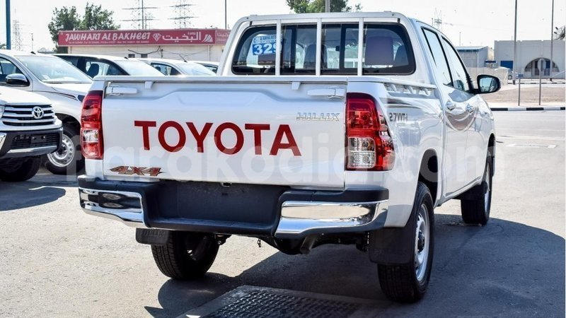Big with watermark toyota hilux diana import dubai 4675