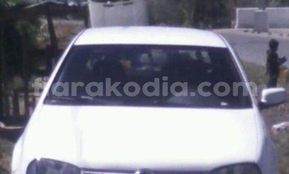 Acheter Occasion Voiture Volkswagen Golf Blanc à Antananarivo au Analamanga