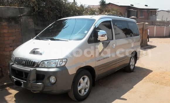 Acheter Neuf Voiture Hyundai H1 Gris à Antananarivo au Analamanga