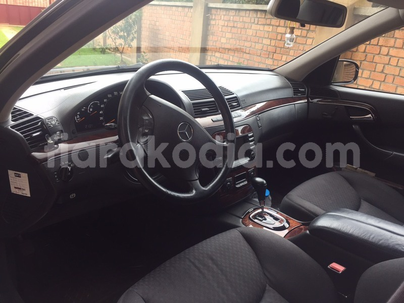 Big with watermark class s interieur