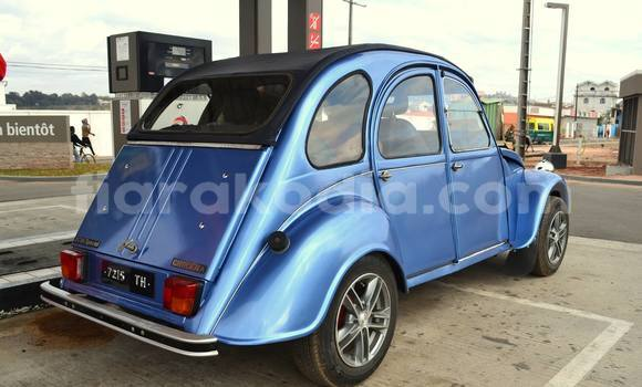 Acheter Occasion Voiture Citroen 2CV Bleu à Antananarivo au Analamanga
