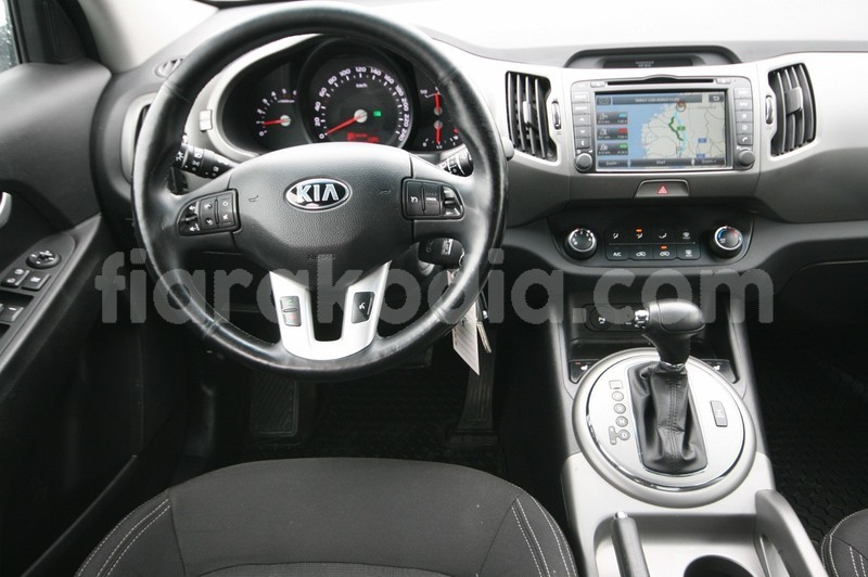Big with watermark kia sportage 8