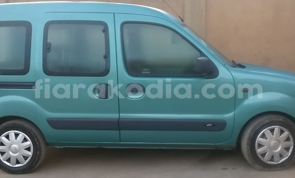 Buy Used Renault Kangoo Green Car in Antananarivo in Analamanga
