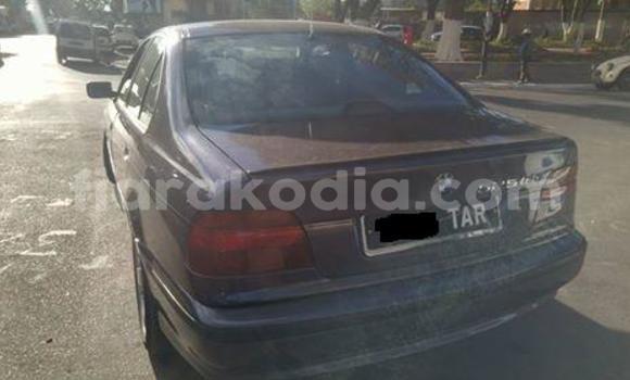 Acheter Occasion Voiture BMW 5-Series Gris à Antananarivo au Analamanga