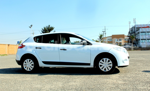 Acheter Occasion Voiture Renault Megane Blanc à Antananarivo, Analamanga