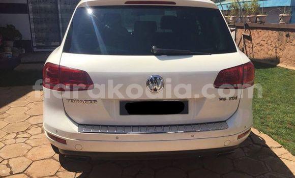 Acheter Occasion Voiture Volkswagen Touareg Blanc à Antananarivo au Analamanga