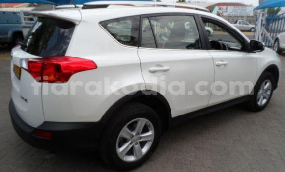 Acheter Occasion Voiture Toyota RAV4 Blanc à Antananarivo au Analamanga
