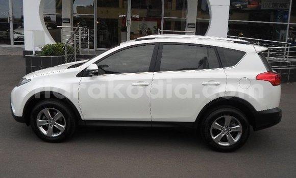 Acheter Occasion Voiture Toyota RAV4 Blanc à Antananarivo, Analamanga