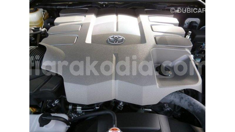 Big with watermark toyota land cruiser diana import dubai 5093