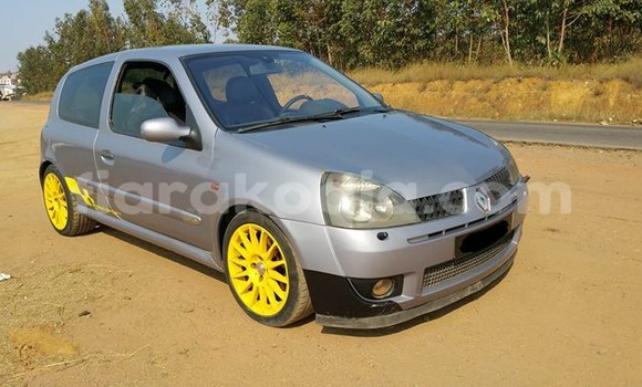 Buy Used Renault Clio Silver Car in Antananarivo in Analamanga