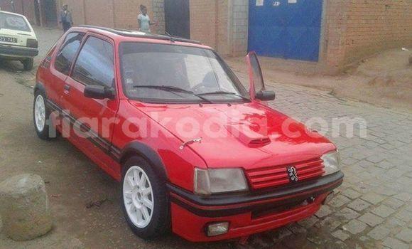 Acheter Occasion Voiture Peugeot 205 Rouge à Antananarivo au Analamanga