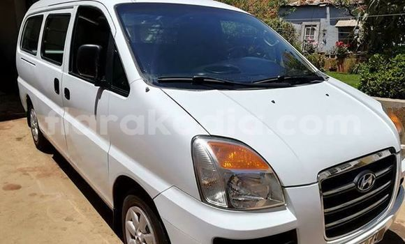 Acheter Occasion Voiture Hyundai H1 Blanc à Antananarivo au Analamanga