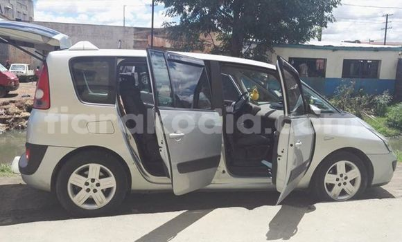 Buy Used Renault Espace Silver Car in Antananarivo in Analamanga