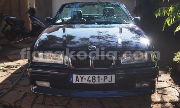 Acheter Occasion Voiture BMW 3-Series Bleu à Ambatolampy au Vakinankaratra