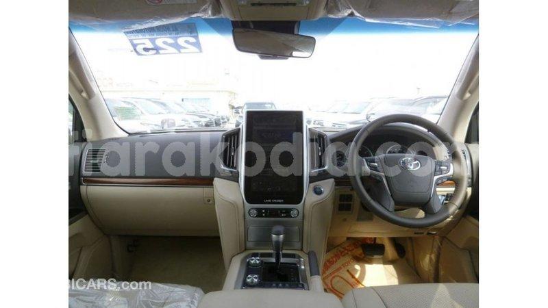 Big with watermark toyota land cruiser diana import dubai 5397