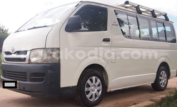 Acheter Neuf Utilitaire Toyota HiAce Blanc à Antananarivo au Analamanga