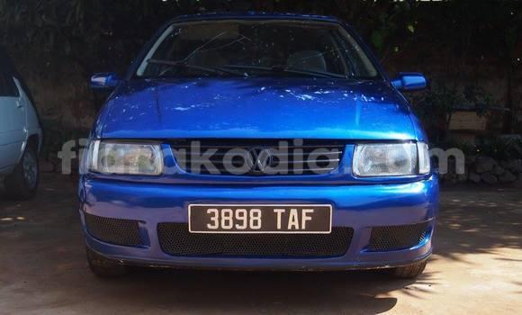 Acheter Occasion Voiture Volkswagen Polo Bleu à Antananarivo au Analamanga