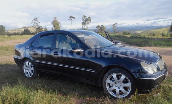 Acheter Occasion Voiture Mercedes‒Benz C-Class Bleu à Antananarivo au Analamanga