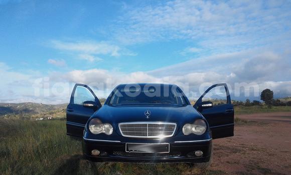 Acheter Occasion Voiture Mercedes‒Benz C–Class Bleu à Antananarivo, Analamanga