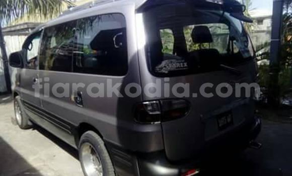 Hividy Hyundai Grand Starex Silver Car in Ambatolampy in Vakinankaratra