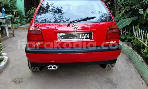 Acheter Occasion Voiture Volkswagen Golf Rouge à Ambatolampy au Vakinankaratra