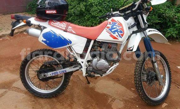 Acheter Occasion Moto Honda XLR200 Blanc à Antananarivo au Analamanga
