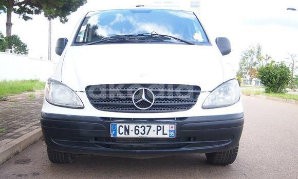 Acheter Occasion Utilitaire Mercedes‒Benz Vito Blanc à Antananarivo, Analamanga