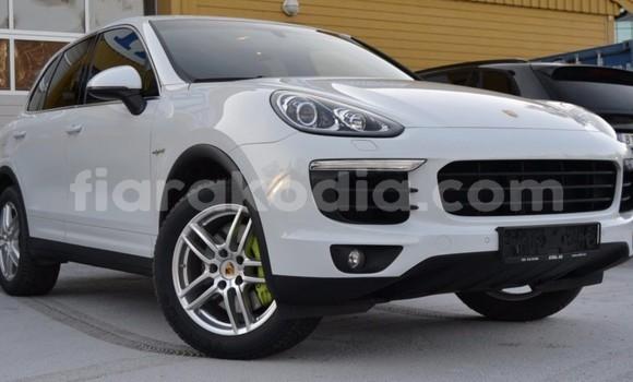 Acheter Occasion Voiture Porsche Cayenne Blanc à Antananarivo, Analamanga