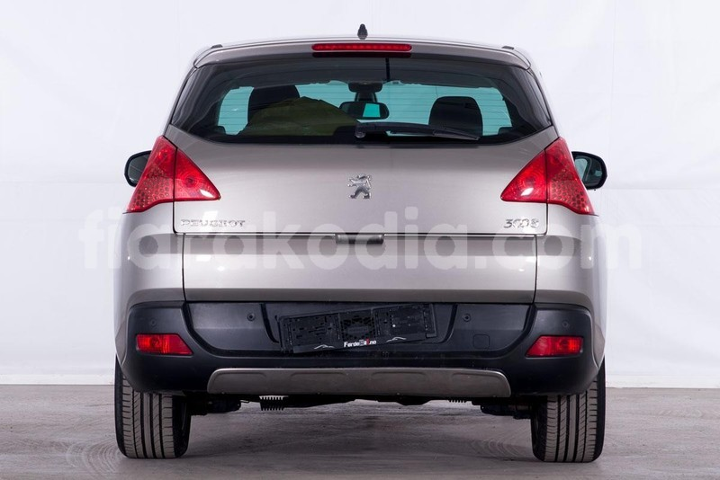 Big with watermark peugeot 3008 3