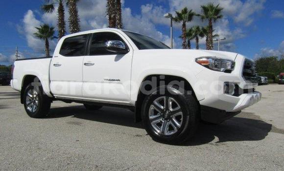 Acheter Occasion Voiture Toyota Tacoma Blanc à Ambatondrazaka au Alaotra-Mangoro