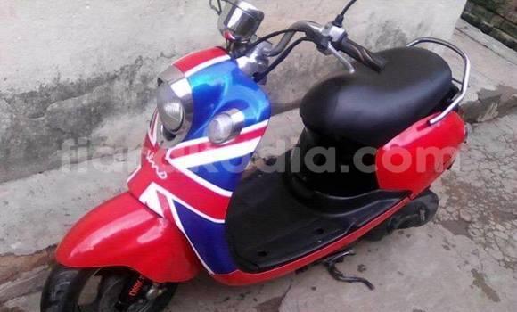 Acheter Occasion Moto Yamaha Vino Rouge à Antananarivo au Analamanga