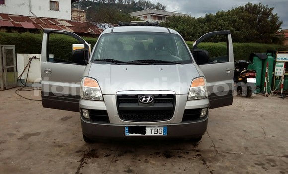 Acheter Occasion Voiture Hyundai H1 Gris à Antananarivo au Analamanga
