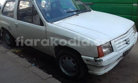 Acheter Occasions Voiture Opel Corsa Blanc à Antananarivo au Analamanga
